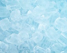Kocke leda podsjećaju na trenutni osjećaj hlađenja koji pruža Lioton 1000 gel.